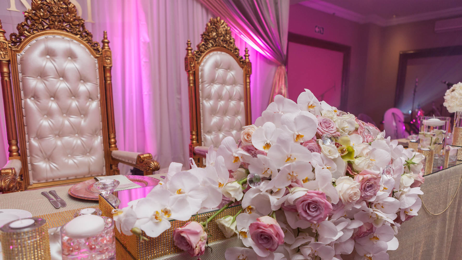Nkosinathi nonduduzo sa wedding decor for Wedding decoration images